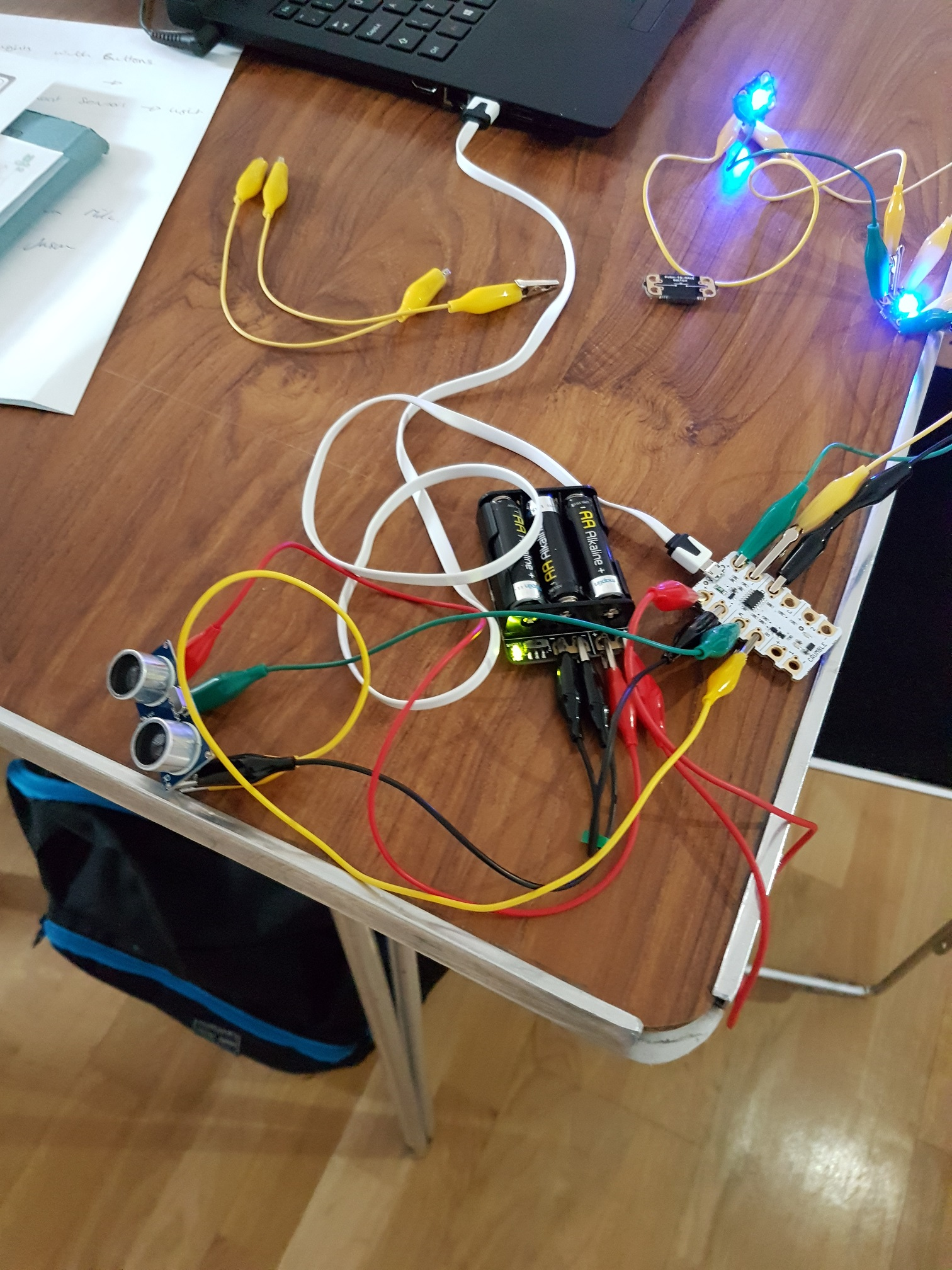 Digital Futures 17 - Crumble Controller with distance sensor and lights